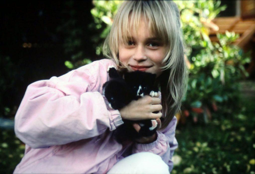 Marja Beckman 12 år med katter