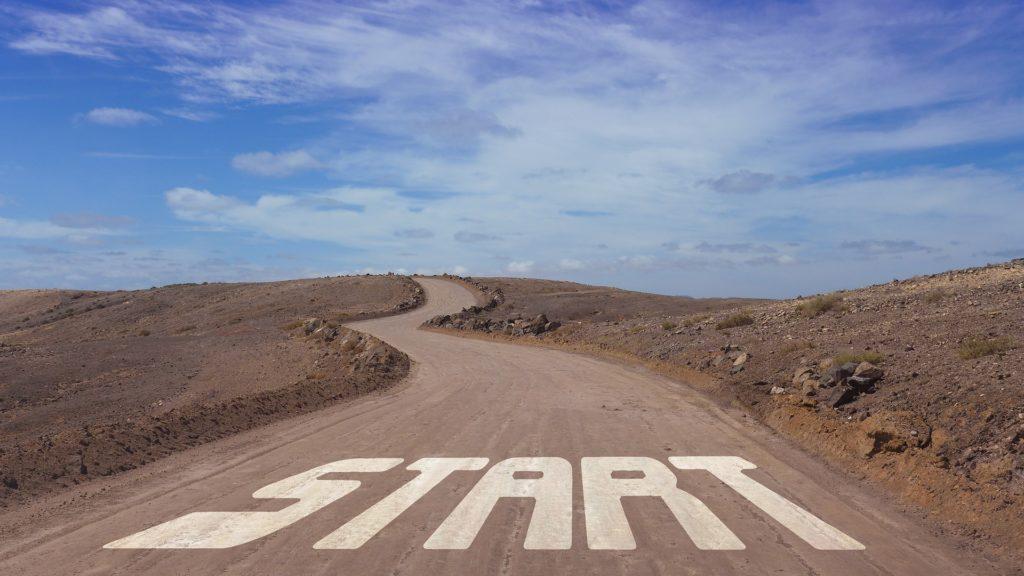 """Bild på väg med texten """"start"""""""